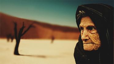 声だって老化する。顔と体が若くても、喋ったら台無し?声のアンチエイジング